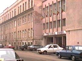 si_in_locul_fabricii_tricoul_rosu_urmeaza_sa_se_construiasca_locuinte
